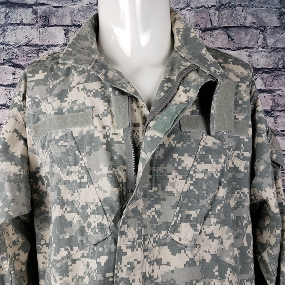 US Army Other - US Military Full Zip Over Shirt, Large